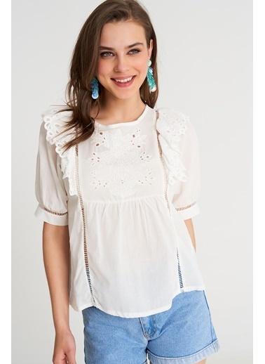 ESQ Güpür Detaylı Kısa Kol Bluz Beyaz